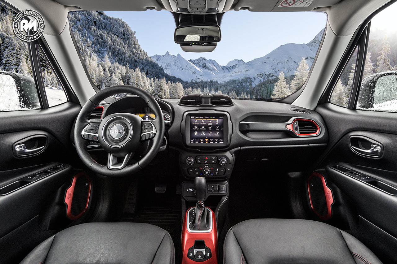 svelata la nuova jeep renegade 2019 al salone dell 39 auto di torino. Black Bedroom Furniture Sets. Home Design Ideas