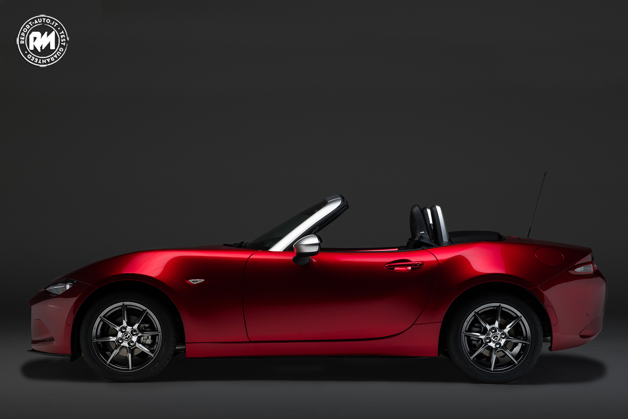 mazda mx 5 limited edition in partnership with pollini heritage. Black Bedroom Furniture Sets. Home Design Ideas