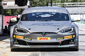 Elettrica e racing: Tesla model S P100D