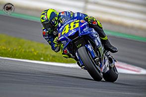 Sul circuito di Montmelò un Valentino Rossi in difficoltà con le gomme