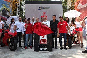 Ducati World_posa prima pietra_UC66503_High fb