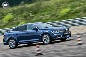 Test in pista per le tecnologie presenti sulla gamma Renault