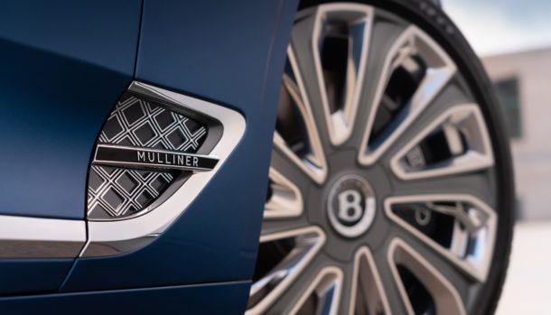 Un look esclusivo, la griglia double Diamond caratterizza il frontale Bentley Continental GT Convertible 10