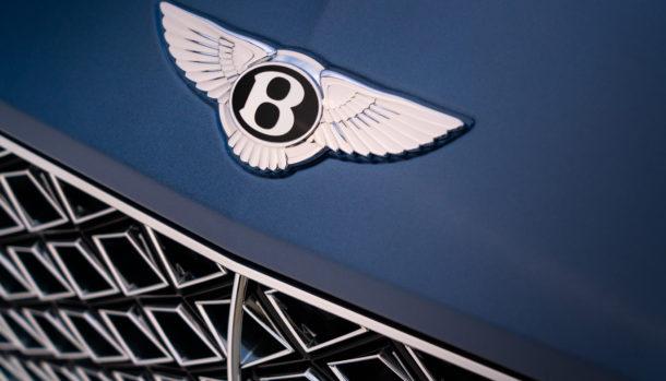 Un look esclusivo, la griglia double Diamond caratterizza il frontale Bentley Continental GT Convertible 11