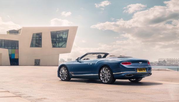 Un look esclusivo, la griglia double Diamond caratterizza il frontale Bentley Continental GT Convertible 1