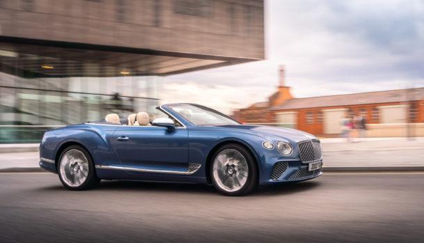 Un look esclusivo, la griglia double Diamond caratterizza il frontale Bentley Continental GT Convertible 2