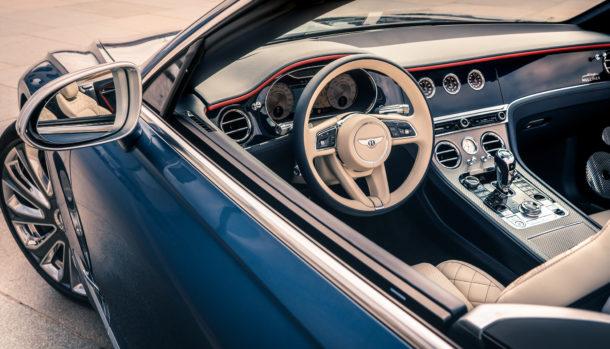 Un look esclusivo, la griglia double Diamond caratterizza il frontale Bentley Continental GT Convertible 4