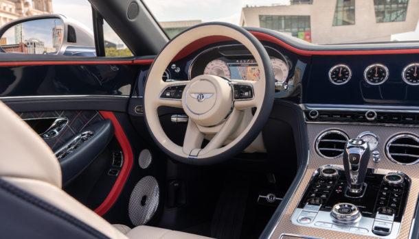 Un look esclusivo, la griglia double Diamond caratterizza il frontale Bentley Continental GT Convertible 6
