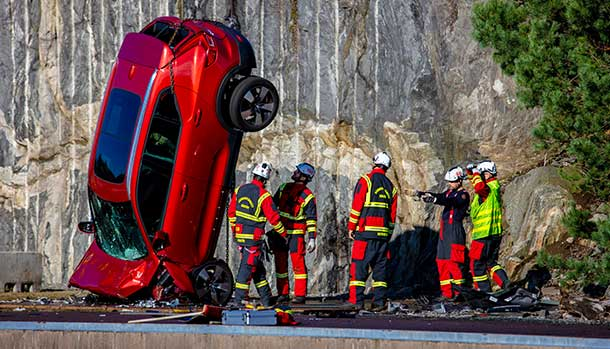 Volvo - Crash Test Gru 30 metri