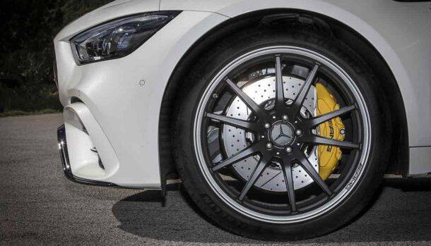 Mercedes-AMG GT Coupé 4