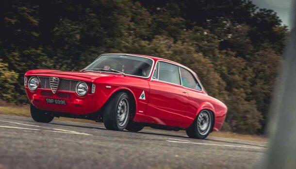 Alfa Romeo Giulia GTA-R 290 by Alfaholics