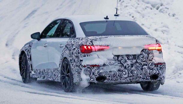 Audi RS3 2022 - Foto spia