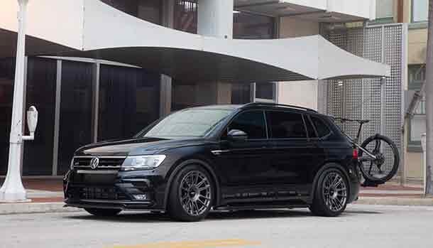 Volkswagen Tiguan SE R-Line Black RiNo